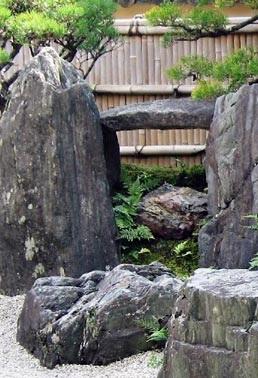 amenajari gradini japoneze aride 7