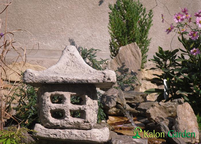 curs de apa cu ornamente gradina japoneza